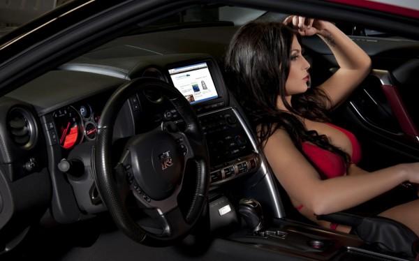 ordinateur de bord de GT-R et blogautomobile