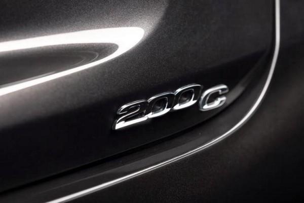 Chrysler 200 2015.12