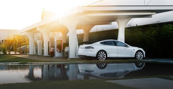 Tesla Motors superchargeur.1