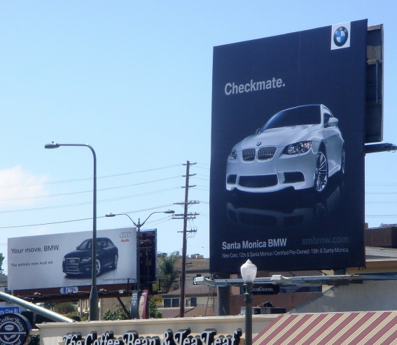 Audi BMW - Panneaux de pub aux USA