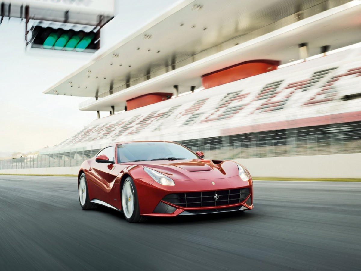 http://cdn.blogautomobile.fr/wp-content/uploads/2014/06/Ferrari-F12berlinetta_2013_1600x1200_wallpaper_11-1200x900.jpg