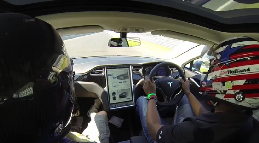 Tesla model S sur le Ring
