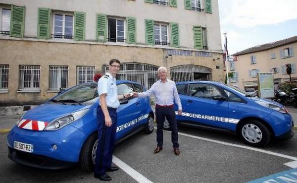 les gendarmes de St Tropez en Bolloré Bluecar .2