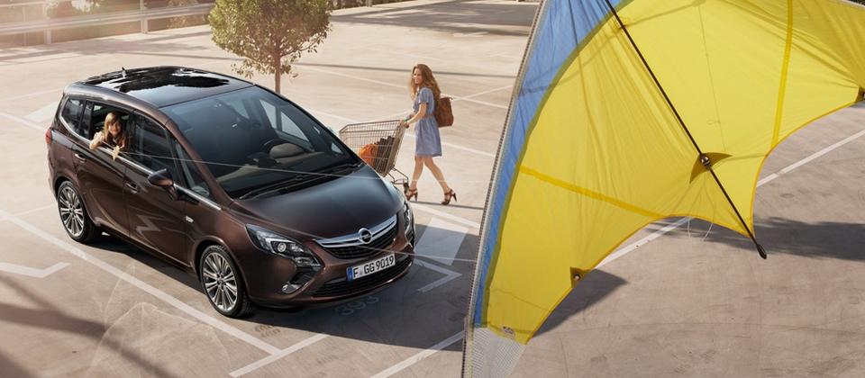 Opel_Zafira_Tourer 1