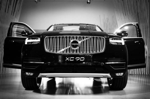 Volvo XC90.0