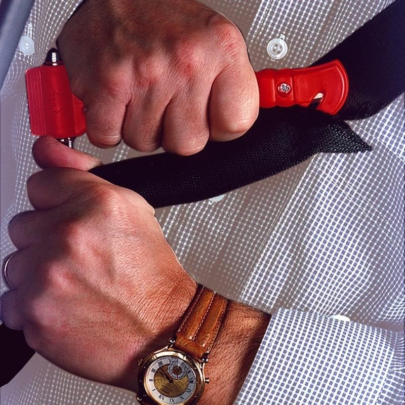 Marteau brise-vitrre avec trancheur de ceinture de sécurité