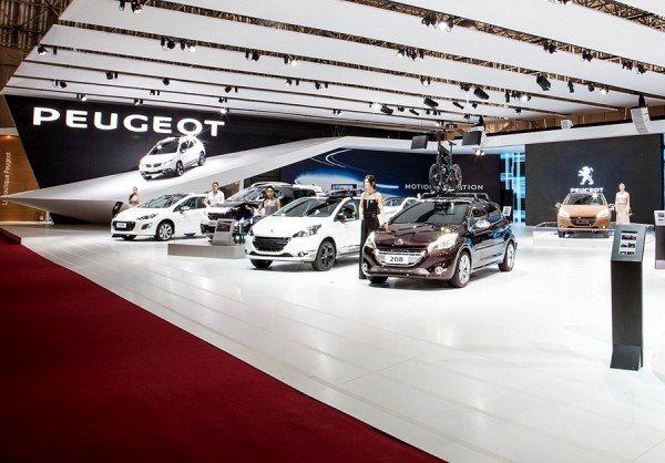 28 Salão Internacional do Automóvel de São Paulo Estande Peugeot