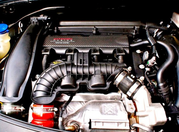 Citroën-DS3-Racing-engine