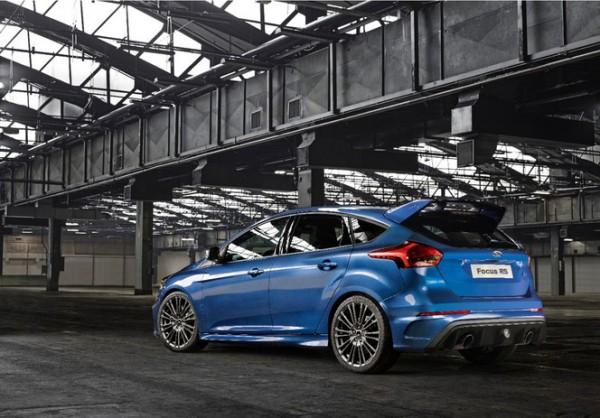 S1-Geneve-2015-voici-la-nouvelle-Ford-Focus-RS-officiellement-a-4-roues-motrices-343919