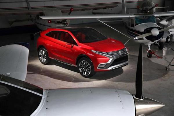 S1-Salon-de-Geneve-2015-Mitsubishi-Concept-XR-PHEV-II-revirement-realiste-346244