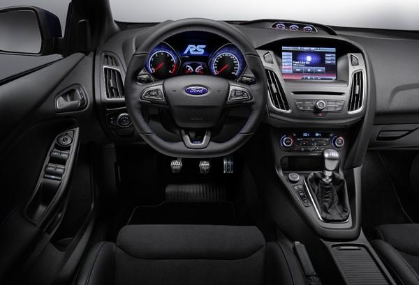 S7-Geneve-2015-voici-la-nouvelle-Ford-Focus-RS-officiellement-a-4-roues-motrices-343913