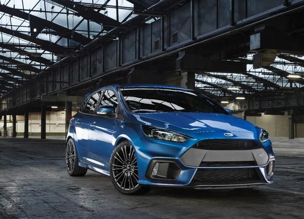 S7-Geneve-2015-voici-la-nouvelle-Ford-Focus-RS-officiellement-a-4-roues-motrices-343917