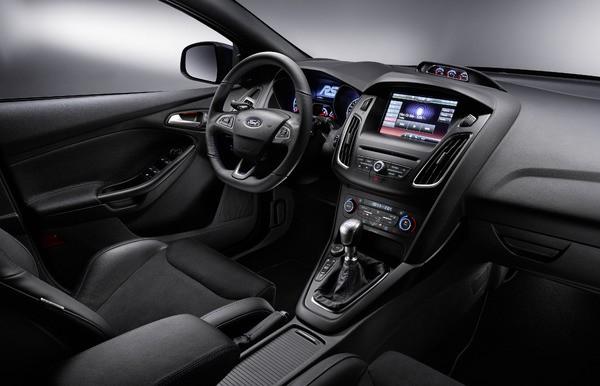 S7-Geneve-2015-voici-la-nouvelle-Ford-Focus-RS-officiellement-a-4-roues-motrices-343918
