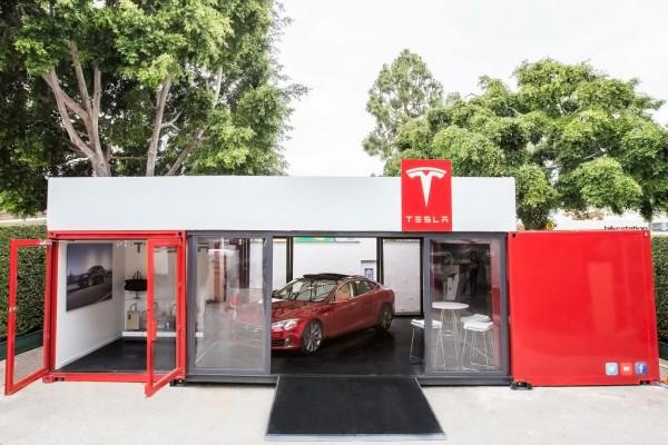 Pop Up Tesla