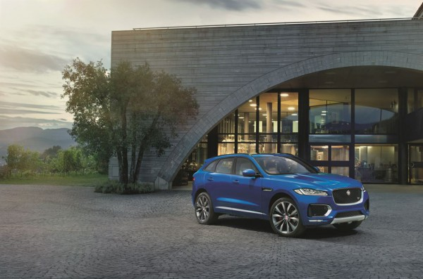 Jag_FPACE_LE_S_Location_Image_140915_09_LowRes