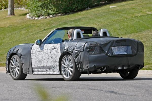 Fiat 124 Spider 2016 5