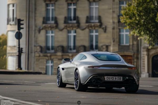 """La déjà légendaire Aston Martin DB10, voiture de James dans """"Spectre""""."""
