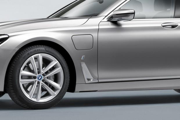 BMW 740e - 15
