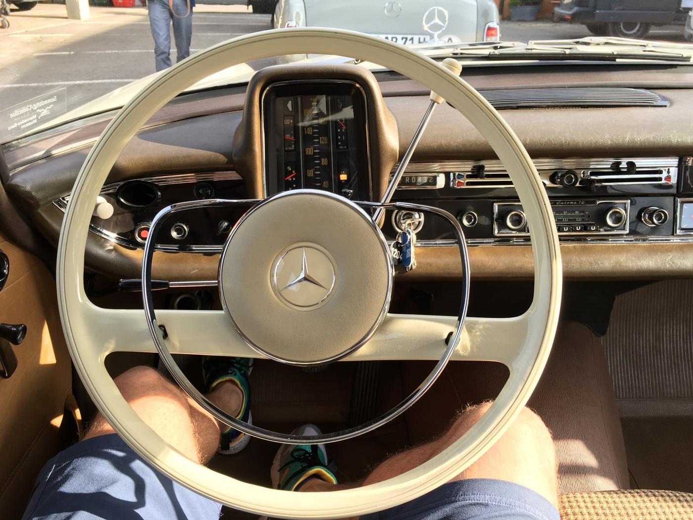 Mercedes-Benz W110 Fintail - Dashboard