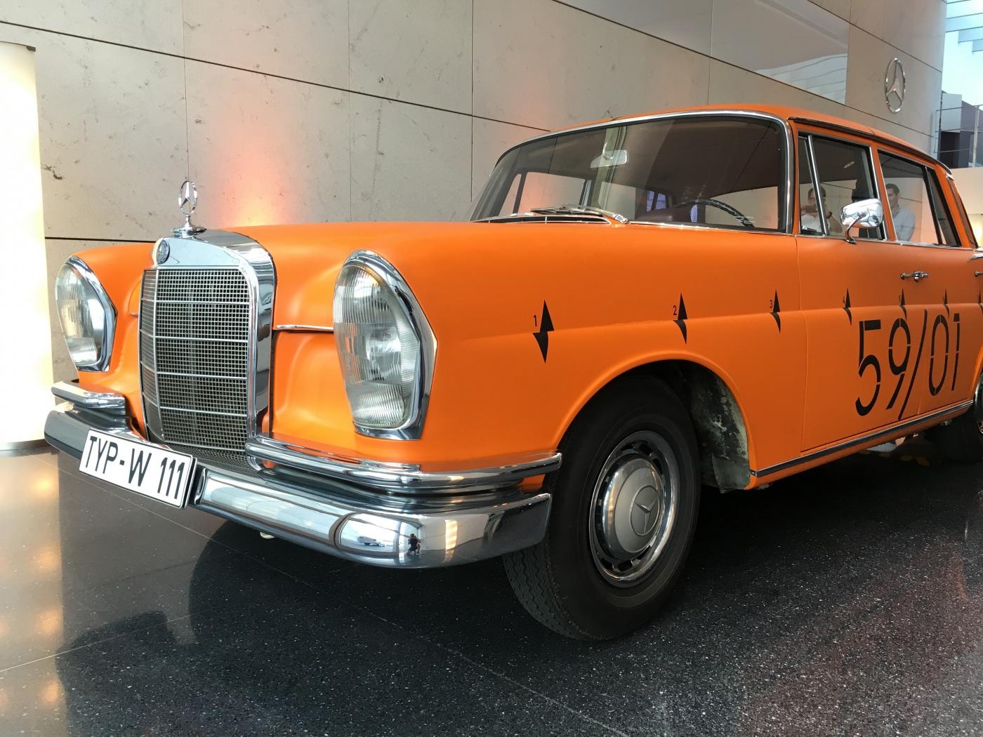 Mercedes-Benz W111 Crash car