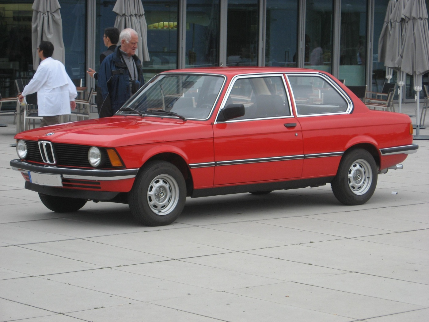 bmw_316-e21_front-view
