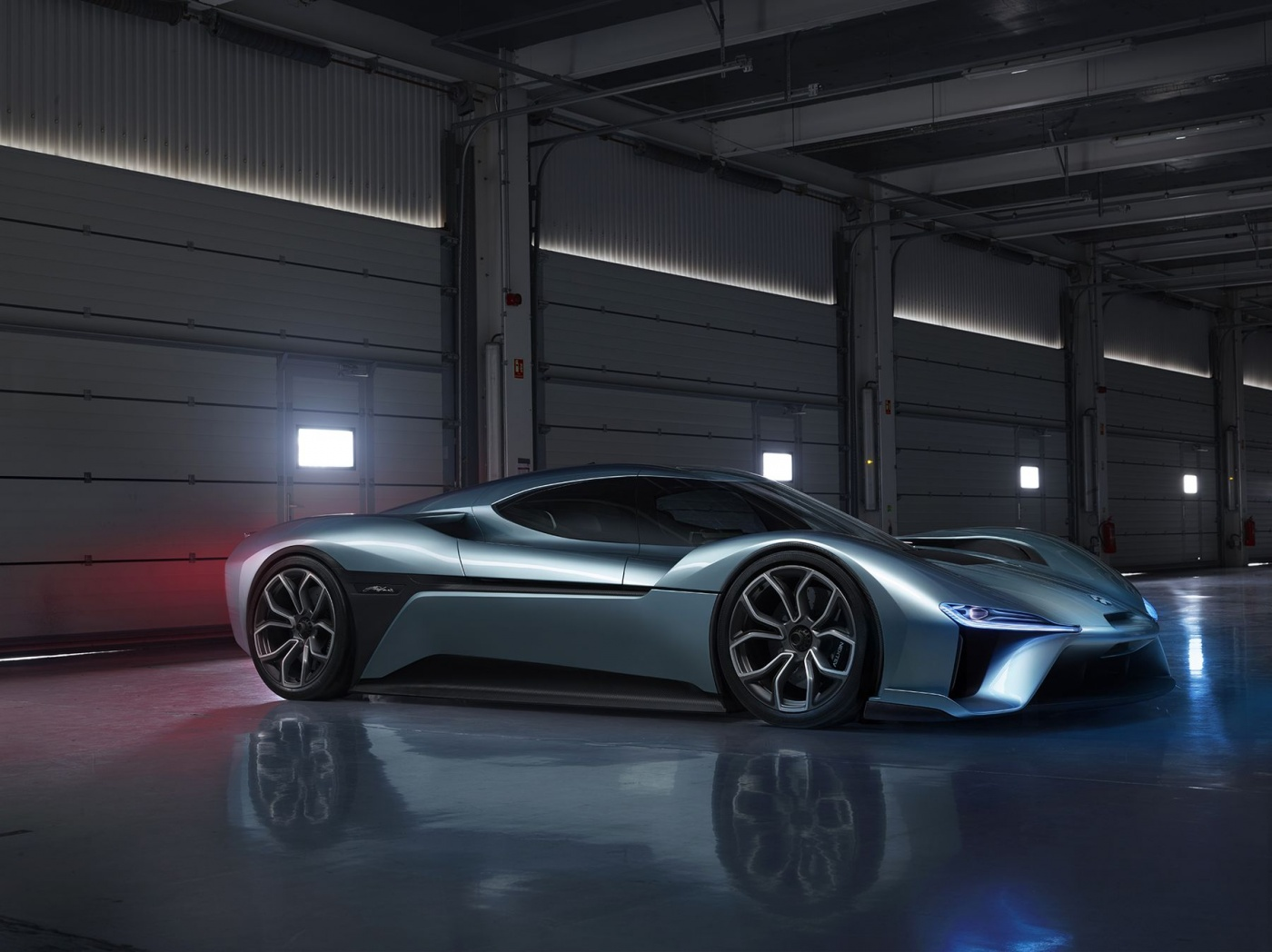 La voiture chinoise NextEV NIO EP 9 (1390 ch !) est devenue la voiture électrique la plus rapide du monde avec un tour du Nordschleife claqué en 7 minutes et 5 secondes. Pour voir la bête en action, c'est ici : https://youtu.be/fJD-Ip1meuE. A toi de jouer Tesla !