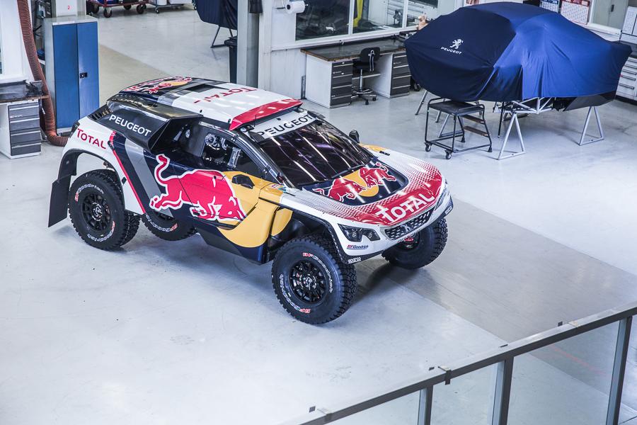 Peugeot Sport dévoile la livrée officielle de son 3008 DKR pour le Dakar 2017 ! Quatre voitures seront présentes, emmenées par les équipages