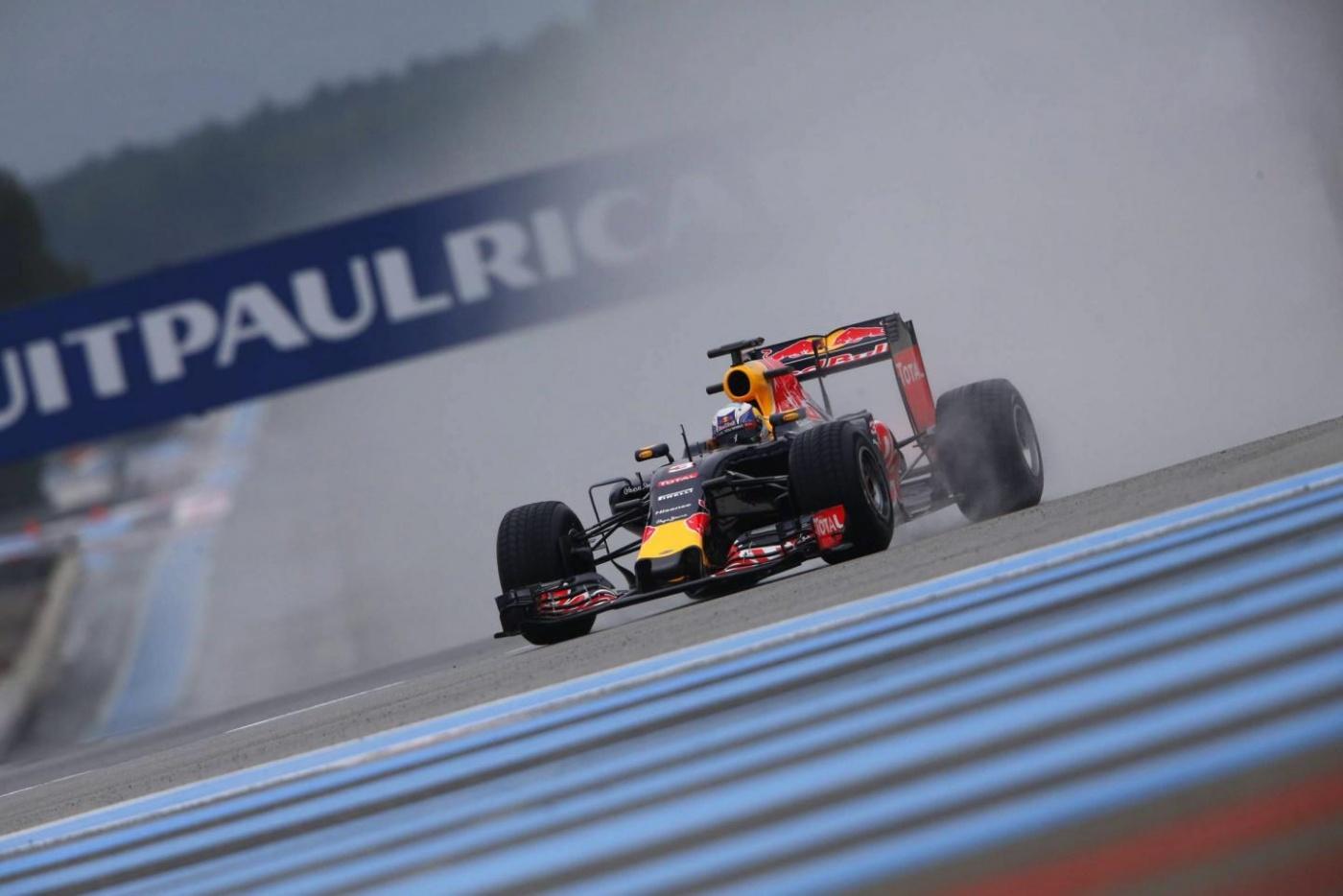 L'annonce officielle aura lieu le lundi 5 décembre : la France aura à nouveau un Grand Prix de Formule. Cela serait pour 5 ans à partir de 2018, au Castellet. Plus d'infos sur le sujet dans la semaine.