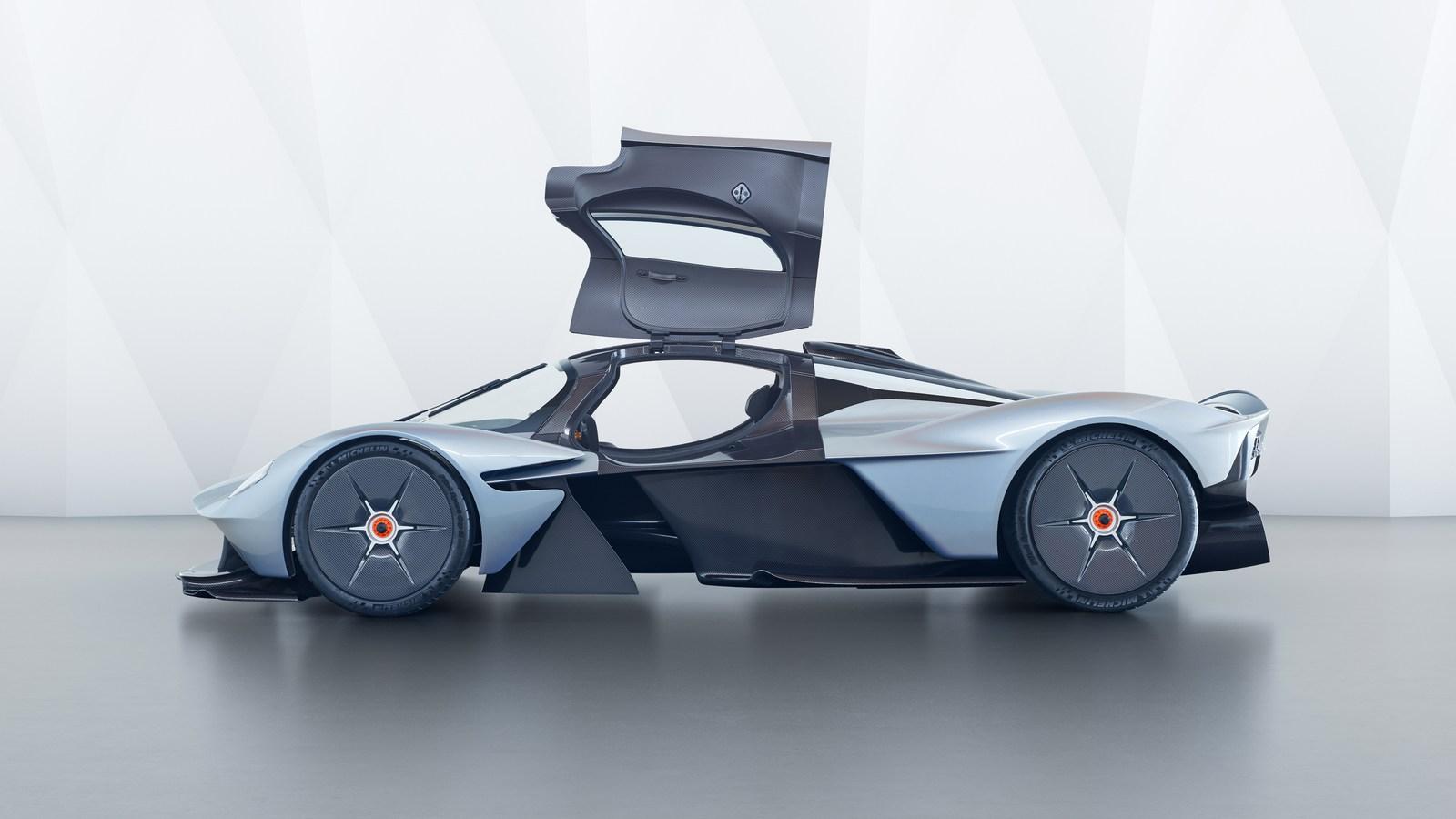 Aston Martin Valkyrie - 13